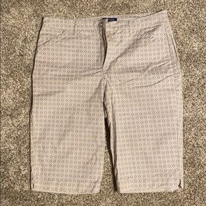Lightly worn bandolino ivette longer shorts